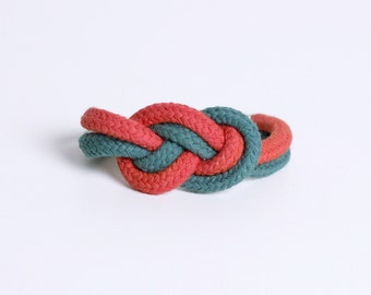 Two Tone braceklet in red and khaki gray