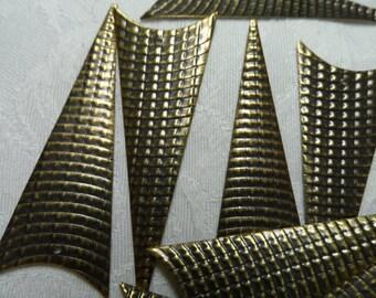 "Large 2&1/2"" waffle design vintage gold triangle steel blanks,10pcs-KC484"