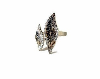 Silver leaf ring, Open ring, Thin band ring, Sterling silver rings, Leaf ring, Botanical ring, Leaf stacking ring, woodland ring, Stackable
