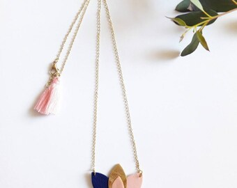 "Necklace ""Rosehip"" Blue Navy, pink and gold"