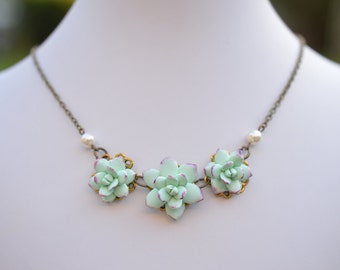 Trio Light Mint Green-Purple Succulent Centered Necklace, Succulent Necklace, Succulent wedding Jewelry, Succulent Jewelry