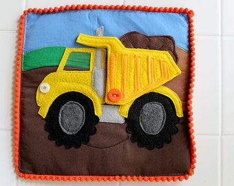 Felt Dump Truck  - Things that Go Quiet Book PATTERN