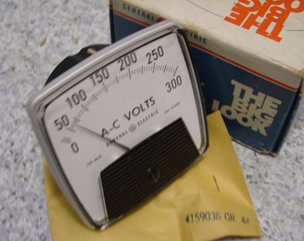 GE General Electric A0-91 A-C VOLTS 612X85 Panel Meter 0-300