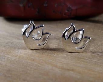 Sterling Silver Lotus Flower Post Earrings, Lotus Earrings,Lotus Flower Earrings,Minimalist Earrings, Lotus Earrings, Lotus Flower Earrings