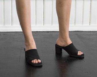 90s Elastic Strap Block Heels / Tag Size 6.5