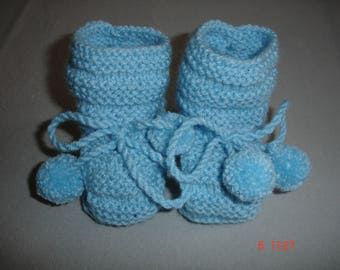 pom poms for baby boy booties