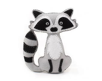 Raccoon Stuffed Animal Pattern, Felt Hand Sewing Raccoon Plushie Pattern, Raccoon Softie Pattern, Instant Download PDF