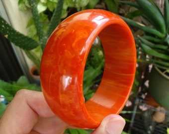 "Huge Vintage ""Paprika"" Bakelite Bracelet! Beautifully Marbled Red/Orange Colors!"