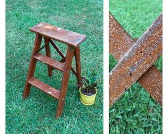 Vintage Wood Step Ladder / Wood Ladder / Decorative Ladder / Vintage Stepstool / Vintage Plant Stand