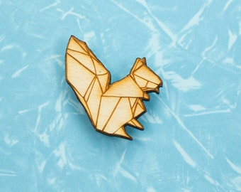 Origami Squirrel pin badge - gift for lovers of Japan, paper folders, origami jewelry, Japanese jewellery Japanese jewellery squirrel brooch
