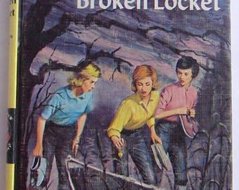 Nancy Drew #11 The Clue of the Broken Locket Carolyn Keene Vintage Hardcover PC