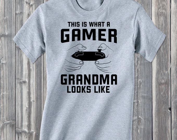 This Is What A Gamer Grandma Look Like 100% Soft Cotton Gaming Shirt