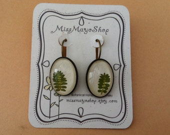 Cool earring, nature jewelry, green earrings, for nature lovers, leaf earrings, botanical Earrings, handmade jewelry, unique gifts for woman