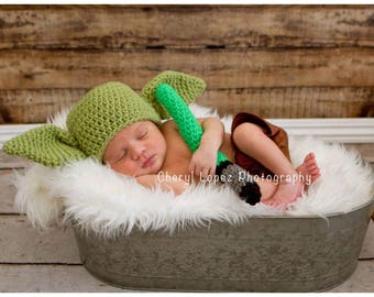 Baby yoda hat and light saber set, Star Wars baby, baby shower gift,baby photo prop, newborn prop