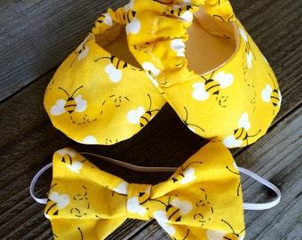 Baby girl yellow bee print baby booties