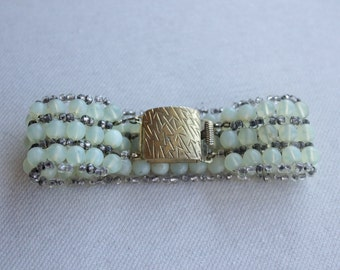 1940's Art Déco turquoise green and brass triple strand bracelet - 40's Turquoise Glass Bracelet