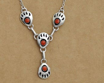 VINTAGE FIND petite sterling silver zuni red coral native jewelry shadow box style bear paw, claw necklace