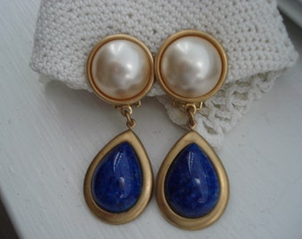Vintage Art Deco Ivory Pearl and Lapis Lazuli GlassTeardrops Gold Clip Statement Earrings