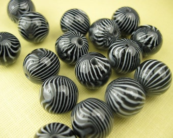 6 Vintage Black and White Stripe Beads