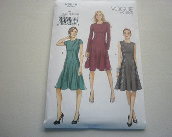 Pattern Women Dress 3 Styles Sizes 14 to 22 Vogue 8848