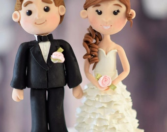 Wedding cake topper, bride and groom cake topper, polymer clay cake topper, cake topper, custom made cake toppers