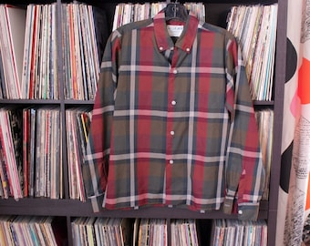 dark green & maroon plaid shirt BOYS, vintage 60s 70s plaid shirt with long sleeves, button down collar, Campus shirt tapered fit, size 16