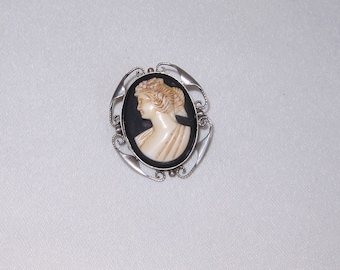Vintage Late Edwardian / Early Art Deco Sterling Silver & Carved Cameo Brooch
