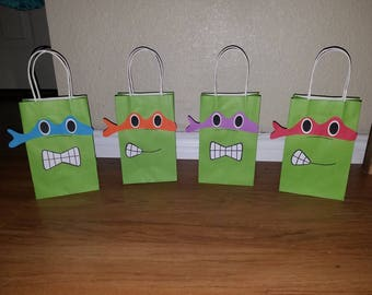 12 Turtle inspired party bags