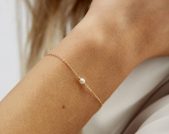 Minimal Jewelry Gift - Dainty Tiny Pearl Bracelet - 14K Gold Fill, Rose Gold Fill, Sterling Silver - Handmade Jewelry Gift - LB613