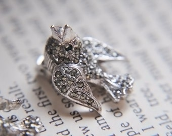 Vintage Wedding Earrings, Vintage Bird Earrings, Woodland Wedding Earrings, Emerald Green Gemstones, Vintage Clip On Earrings,Rare BJL Birds