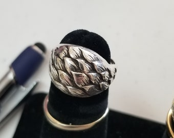 native american sterling silver artisan leaf motif ring hallmarked and signed, size 7 womens jewelry.