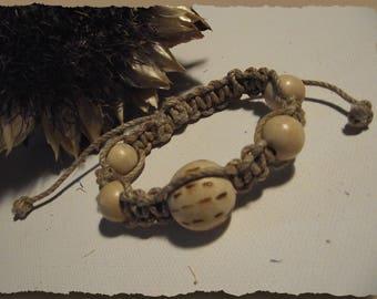 Macrame bracelet lin & unique adjustable natural wood beads