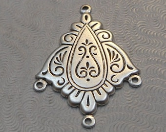 LuxeOrnaments Antiqued Sterling Silver Plated Brass Filigree Pendant (Qty 1) 32x23mm S-8970-S