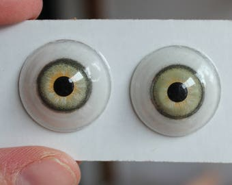 22mm Green Glass Eyes - Sealed