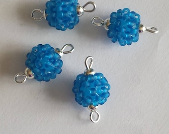 4 beads seed connectors (2mm) frosted Royal Blue