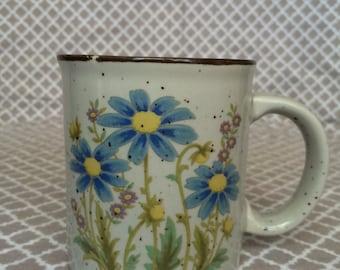 Vintage speckled stoneware mug - blue flowers - made in japan