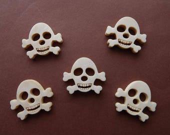 8 wooden skull shape buttons