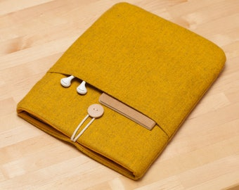MacBook 12 inch case /  Laptop sleeve, MacBook Air 11 sleeve / 12 inch MacBook case /  padded with pockets - Flannel mustard