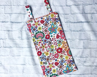 Kitchen Hanging Wet Bag in White Floral
