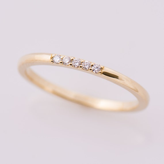 rings tw gold brilliant ct yellow classic five diamond top ring engagement stone earth