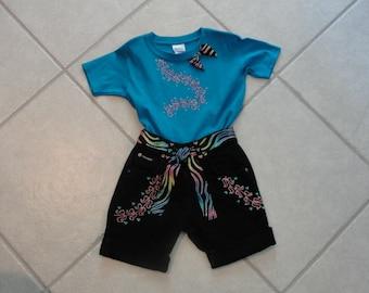 Summer Glitter!!!   Adorable painted t-shirt and matching blue jean shorts. girls shorts, jean shorts,toddler shorts, diva