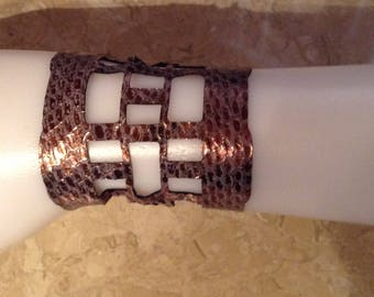 Metallic leather bracelet