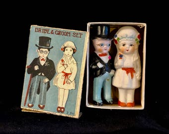 Vintage  Bride and Groom, Wedding Cake Toppers, Original Box, 1920s Wedding Couple, Porcelain Bride Groom, Set in Box, 3 inches, 1920s