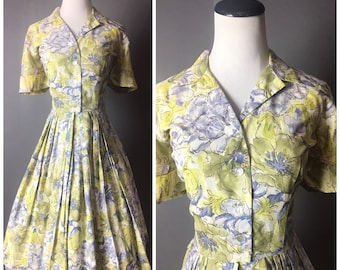 Vintage 50s dress / 1950s dress / shirtwaist dress / floral print  / abstract watercolor dress / fit and flare dress / day dress / 5021