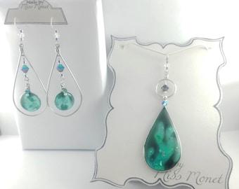 Mezmerizing Lava Lamp Suncatcher Dangle Earrings and Pendant with Resin and Swarovski Crystals
