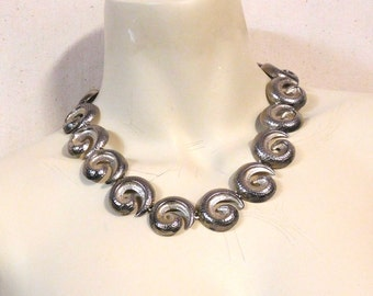 Mexican style necklace-- curlicue or spiral motif