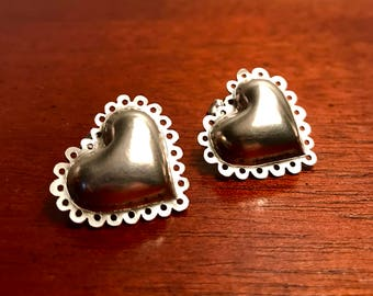 Scalloped Heart Earrings