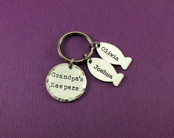 Personalized Grandpa Keychain - Grandpa's Keepers - Fish Keychain - Fisherman Gift - Grandpa Gift - Grandkids Names - Granddad - Papa - Pepe
