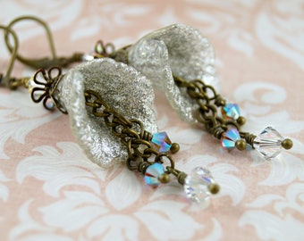Sparkling White Lucite Flower Earrings, Hand Painted Lucite Earrings, Vintage Style Earrings, Brass Earrings, Wedding Earrings