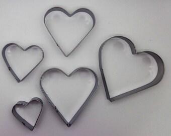 5 emporte-pièces coeurs fimo en inox